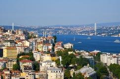 La vista su Bosphorus con il ponte di Bosphorus, Costantinopoli, Turchia Fotografia Stock