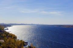 La vista sul fiume Immagine Stock