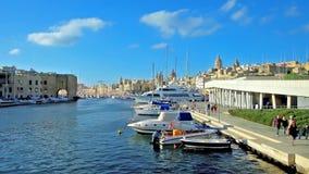 La vista sul porticciolo con gli yacht attraccati, Malta di Birgu video d archivio