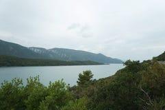 La vista sulle colline ed ancora innaffia vicino a Neum Fotografie Stock