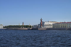 La vista sullo Strelka dell'isola di Vasilievsky immagini stock libere da diritti