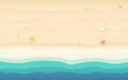 La vista superiore della sabbia con le coperture e le stelle marine nell'icona piana progettano sul fondo della spiaggia Fotografia Stock