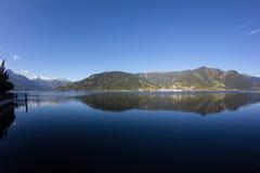 La vista a Zell considera el lago Zell y Kitzsteinhorn Fotografía de archivo libre de regalías