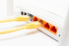 La visualizzazione posteriore mostra le porte del router di Internet Fotografia Stock Libera da Diritti