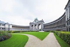 Voûte triomphale dans Cinquantennaire Parc à Bruxelles photo libre de droits