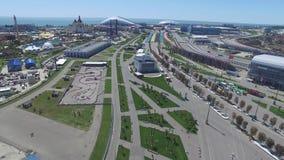 La voie de la formule 1 à Sotchi, le village olympique à Sotchi Chantier de stade pour emballer près de la ville et des montagnes Photos libres de droits