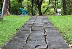 La voie de promenade vont bench Photo libre de droits