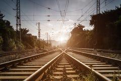 La voie expédient le chemin de fer images stock