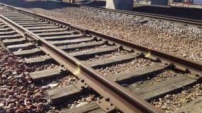 La voie ferrée dépiste par le fleuve Missouri Image libre de droits