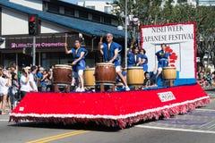 La voiture de parede dans le défilé grand de 73th semaine annuelle de Nisei de thet Photos libres de droits