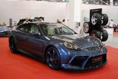 La voiture de sport d'une classe de la meilleure qualité Porsche Panamera Turbo à une exposition dans le ` d'expo de crocus de `, Image stock