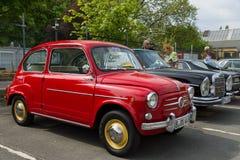 La voiture Fiat 600 Seicento de ville Photographie stock libre de droits