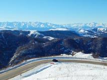 La vue à la chaîne de montagne de Caucase Photo libre de droits