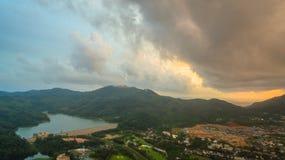 La vue aérienne Kho a sonné le point de vue de marque de terre d'endroit de Phuket au milieu de la ville de Phuket Photo libre de droits