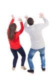 La vue arrière des jeunes embrassant des couples (homme et femme) a penché le prote Images libres de droits