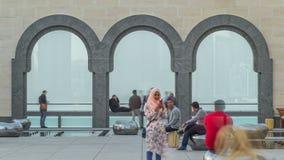 La vue au coeur du monde de finances du timelapse de Doha a pensé les voûtes d'arbre clips vidéos