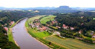 La vue au-dessus d'Elbe. l'Allemagne Photographie stock