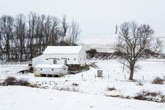 La vue d'une neige a couvert la ferme, près de Jefferson, la Pennsylvanie Images libres de droits