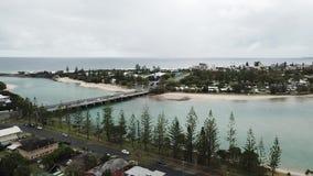 La vue de bourdon, burleigh arrose, vue d'océan de la Gold Coast banque de vidéos