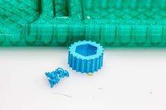 La vue de bourdonnement sur 3D a imprimé des modèles pour le contrôle de qualité Photo stock
