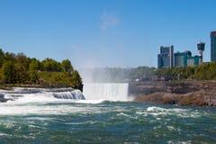 La vue de chutes du Niagara Photo libre de droits