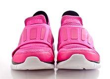 La vue de face d'une paire de dame rose folâtrent des chaussures Photographie stock libre de droits