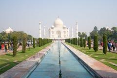 La vue de face de Taj Mahal à Âgrâ, Inde images libres de droits