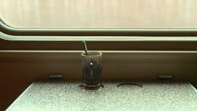 La vue de la fenêtre de train en automne clips vidéos