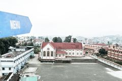La vue de Jawaharlal Nehru Stadium Shillong, est un stade de football à Shillong, Meghalaya, Inde principalement pour le football images stock
