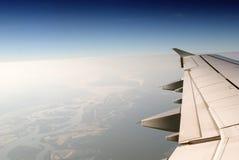 La vue de l'hublot d'avion Photographie stock