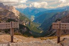 La vue de la vallée, dolomites, Italie Image libre de droits