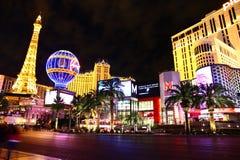 La vue de nuit d'hôtel et de casino de Paris Las Vegas photographie stock libre de droits