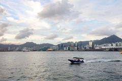 la vue de Victoria Harbor au ferry HK Photos stock