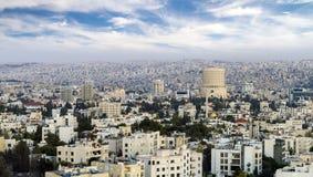 La vue de la ville d'Amman de l'air - vue des bâtiments modernes à Amman la capitale de la Jordanie Images libres de droits