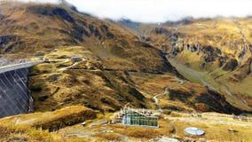 La vue des barrages de Kaprun dans Zell AM voient Images stock