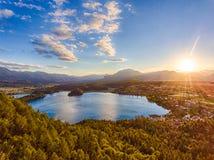 La vue du lac Faaker voient dans Carinthie, Autriche Images stock