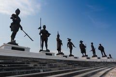 La vue du parc de Rajabhakti, les statues géantes de rois a consacré en Hua Hin images libres de droits