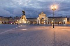 La vue du Praca font Comercio à Lisbonne Photographie stock