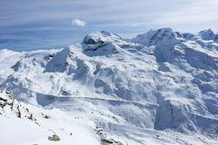 La vue du Rothorn 3.103 m présente les sommets les plus élevés des Alpes suisses Le Valais, Switzerland Images stock