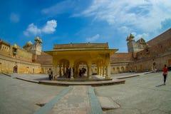 La vue extérieure du palais d'Amber Fort, est l'attraction touristique principale dans la région de Jaipur, près de Jaipur au Ràj Image libre de droits