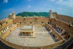 La vue extérieure du palais d'Amber Fort, est l'attraction touristique principale dans la région de Jaipur, près de Jaipur au Ràj Photos stock