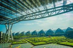 La vue extérieure du parc de détente située à l'aéroport de Suvarnabhumi est aéroport renforcement simple du ` s troisième du mon Photo libre de droits