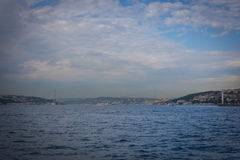 La vue iconique du pont d'Istanbul deuxièmes, le 15 juillet Martyrs Bridg Image stock
