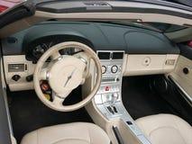 La vue intérieure d'un courant perturbateur de Chrysler s'est garée à Lima Photographie stock libre de droits