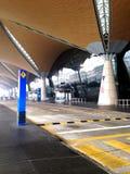 La vue intérieure d'un toit d'aéroport Images stock