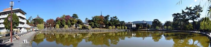La vue panoramique de l'étang de Sarusawa Image stock