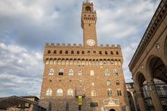 La vue panoramique de Palazzo Vecchio (vieux palais) est l'h?tel de ville de Florence photo stock