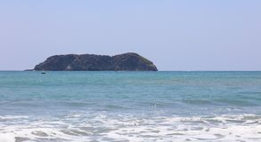 La vue panoramique de la plage de parc national de Manuel Antonio en Costa Rica, la plupart des belles plages dans le monde, surf Photos stock
