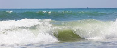 La vue panoramique de la plage de parc national de Manuel Antonio en Costa Rica, la plupart des belles plages dans le monde, surf images stock