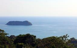 La vue panoramique de la plage de parc national de Manuel Antonio en Costa Rica, la plupart des belles plages dans le monde, surf Photos libres de droits
